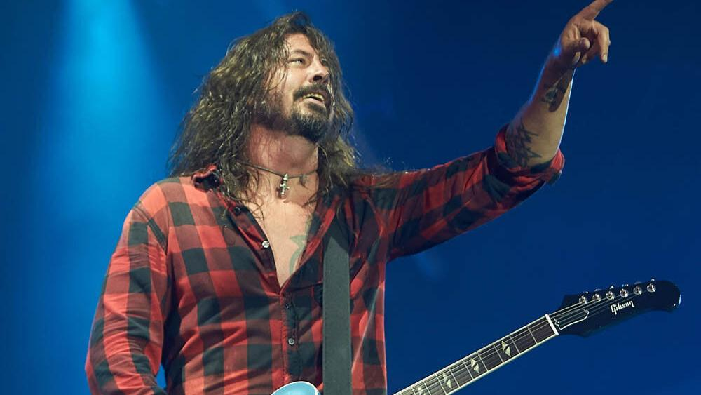 Dave Grohl welcomes $900 billion Save Our Stages Act in the US | People