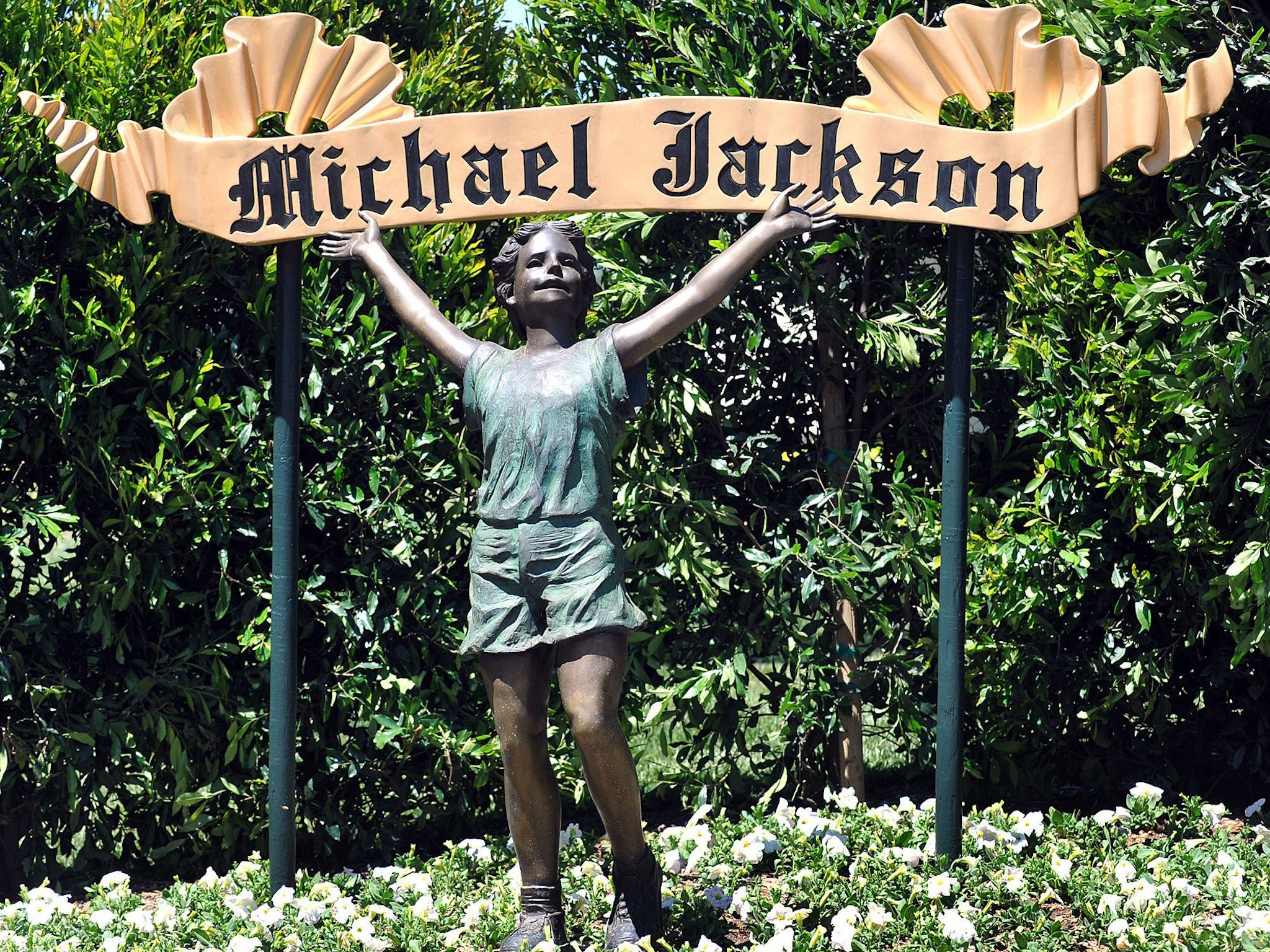 Inside Michael Jackson's abandoned Neverland estate