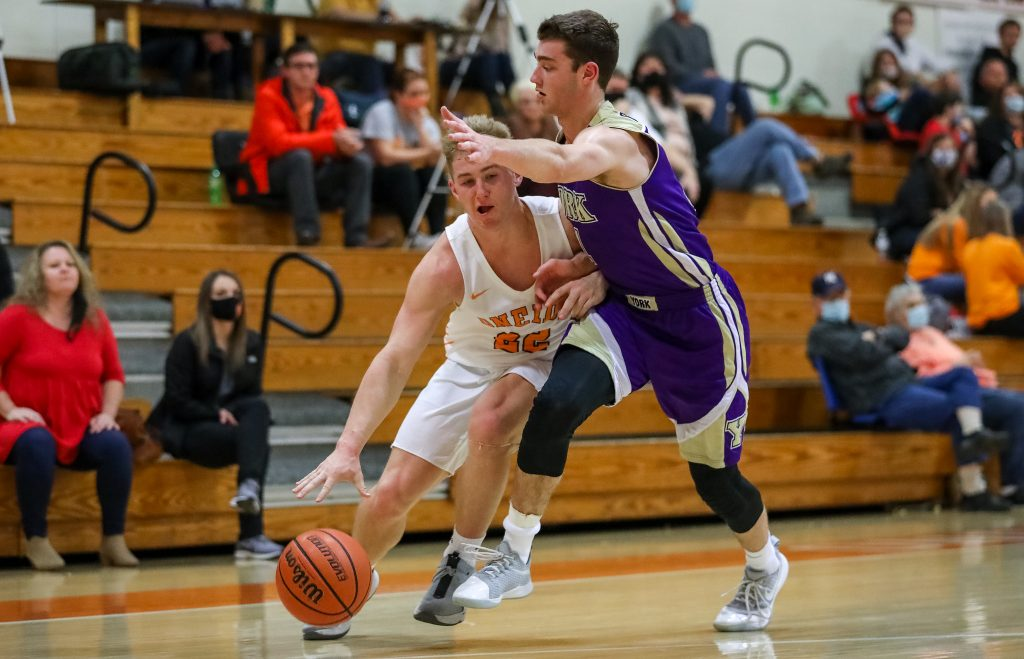 Oneida pulls away late for a 61-49 win over Harriman