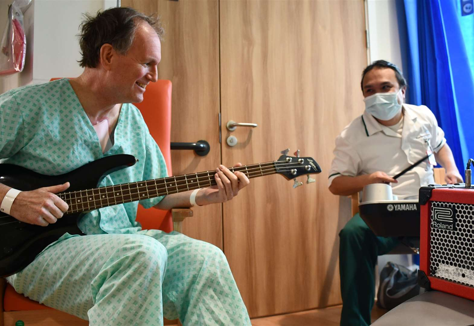 Music therapy helps Royal Papworth patient in his recovery