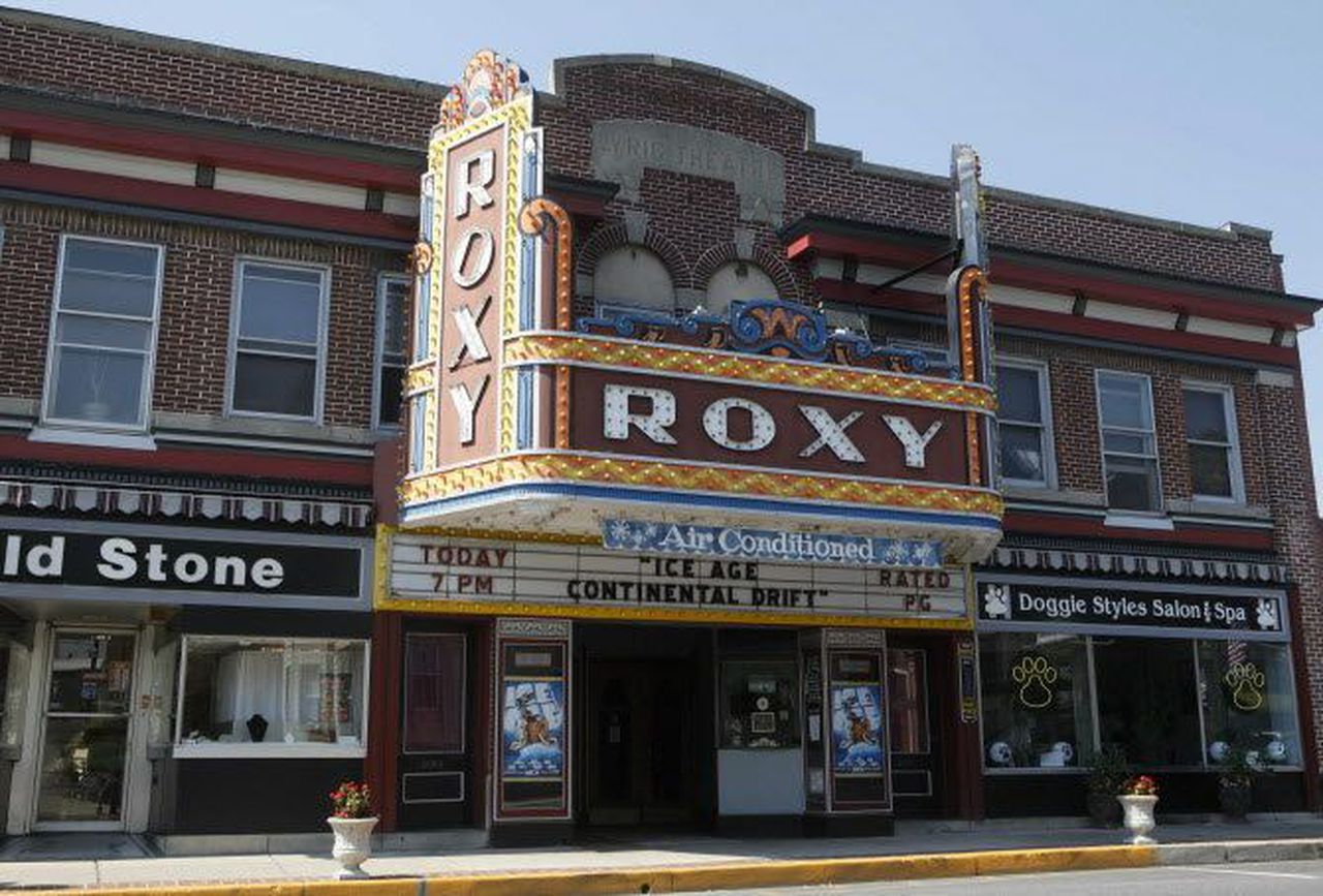 Will Lehigh Valley independent theaters keep curtain up amid reduced capacity, movie streaming?