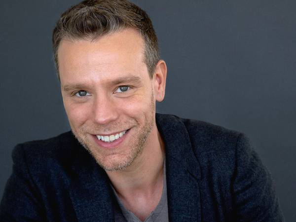 Broadway star Adam Pascal makes a proper Vegas debut this week