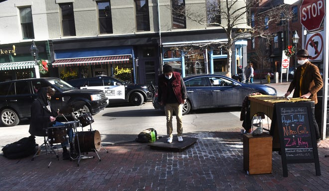 Portsmouth street performers find receptive audience in pandemic