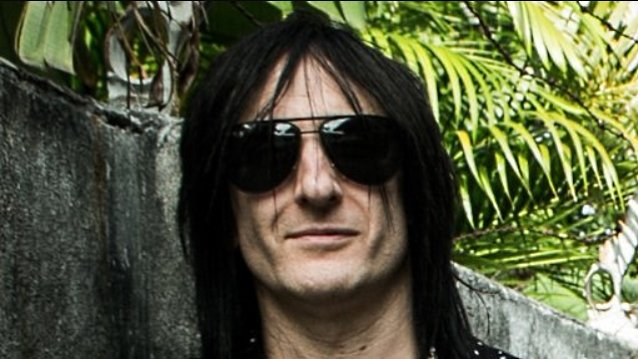 Richard Fortus Says Buckethead And Bumblefoot 'Had A Difficult Time Assimilating' Into 'Band World' Within Guns N' Roses