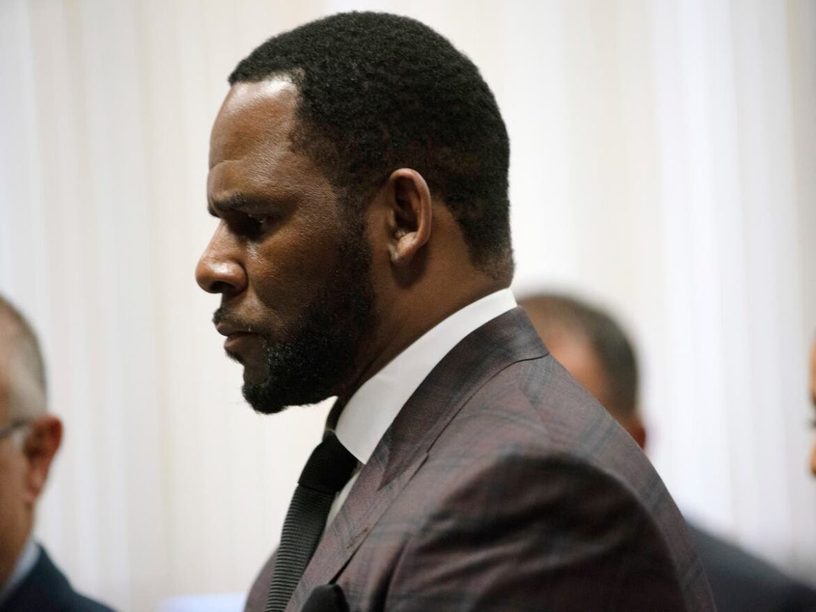 R Kelly's trial delayed again due to coronavirus pandemic