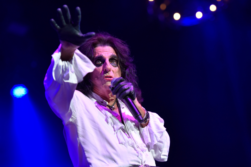 Alice Cooper heads to Motown for new LP