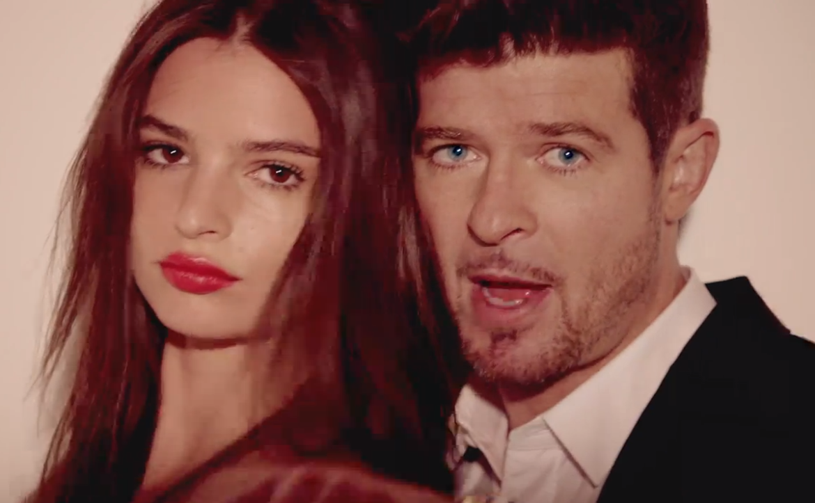 Robin Thicke says he will never make music videos like 'Blurred Lines' again
