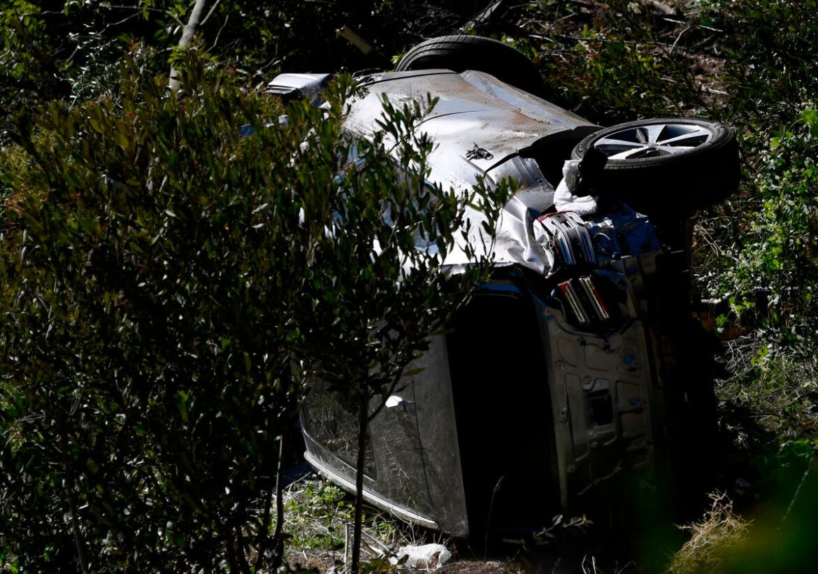 Tiger Woods 'fortunate to be alive' following serious crash, police say in news conference