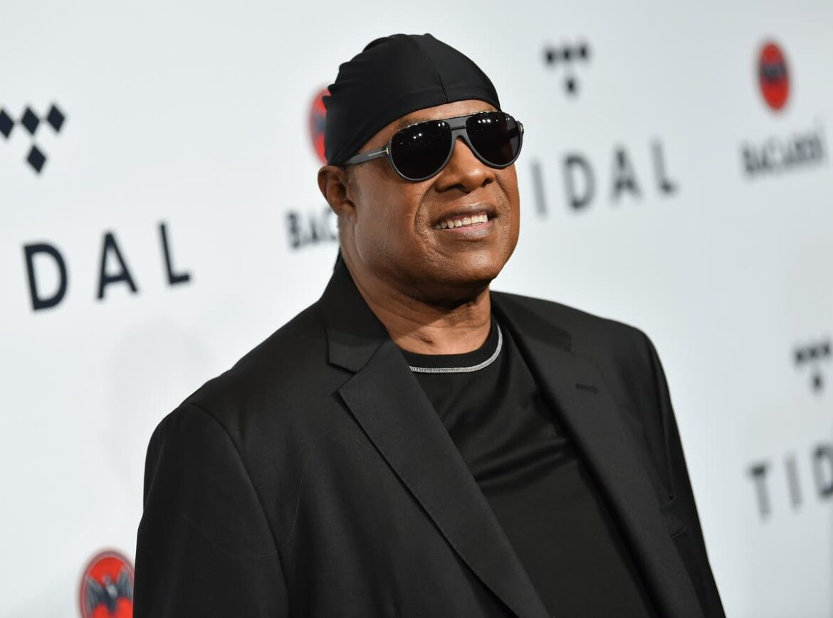 Stevie Wonder to move to Ghana permanently because of racism in the US