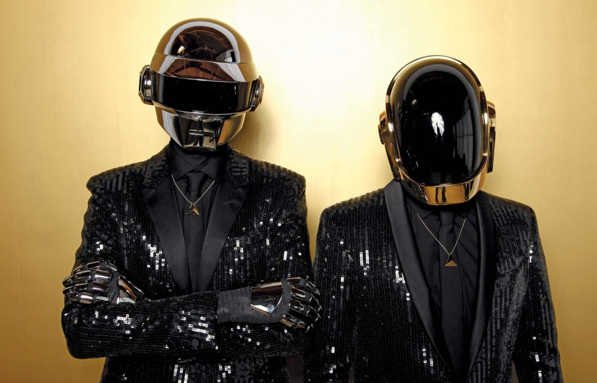 Electronic music celebrates Daft Punk with heartfelt social media tributes : Dancing Astronaut