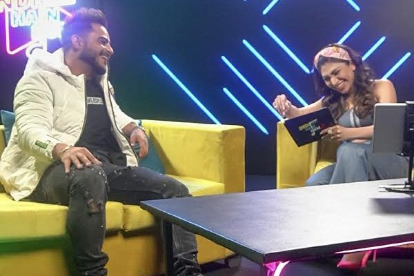 Laughter, gossip and chat about Delhi boy traits in Indie Hain Hum : Season 2 with Tulsi Kumar and Millind Gaba