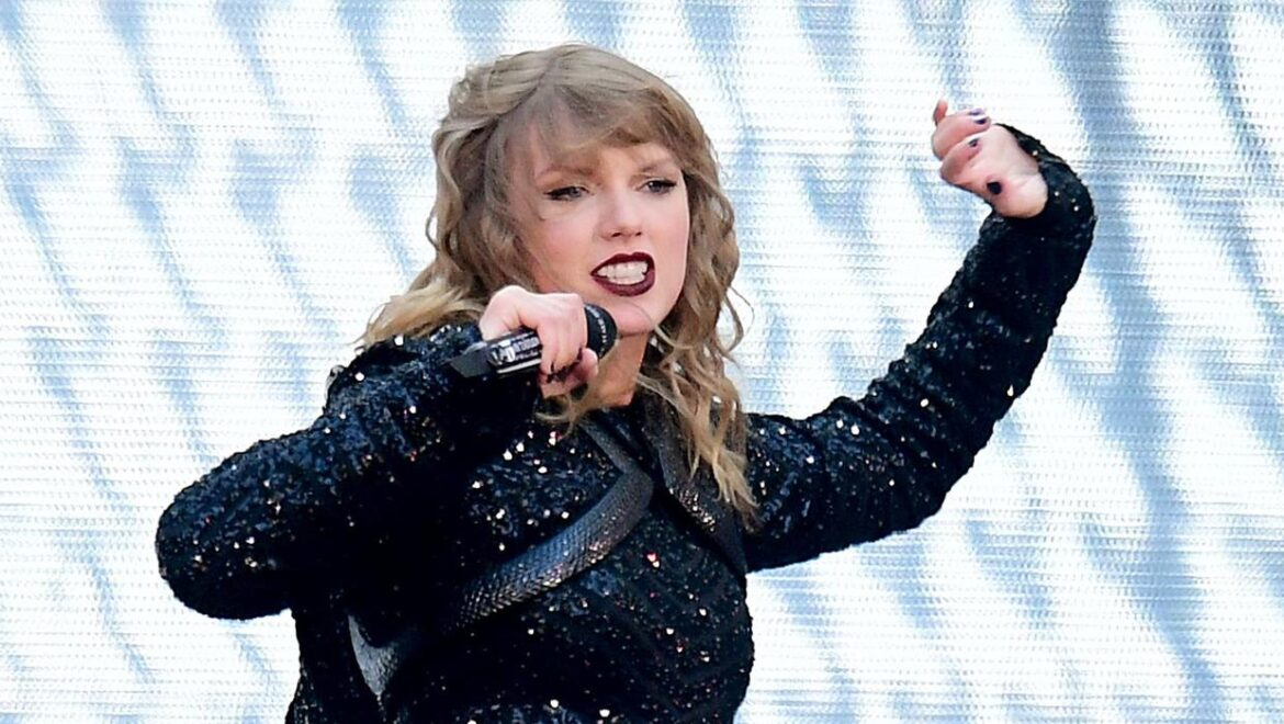 Taylor Swift 'so sorry' to confirm tour news