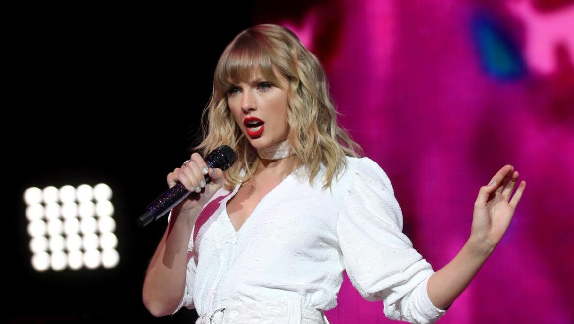 Taylor Swift confirms re-recording of Fearless album following masters row