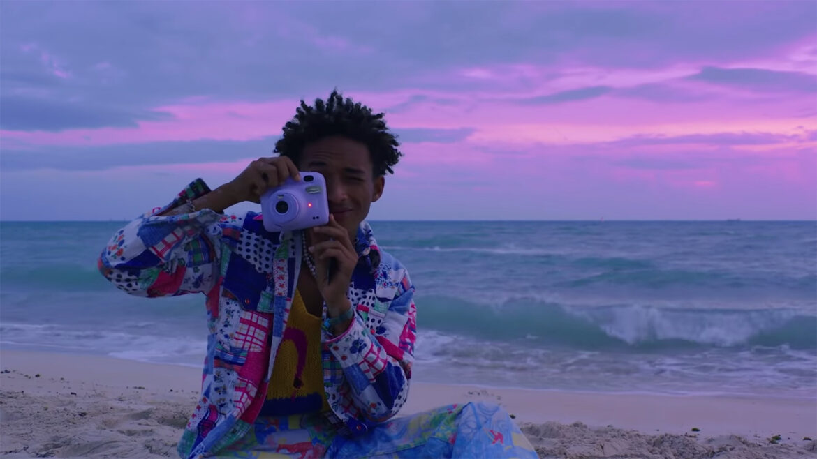 Jaden Smith Hits the Ocean in Dreamy 'Photograph' Video: Watch