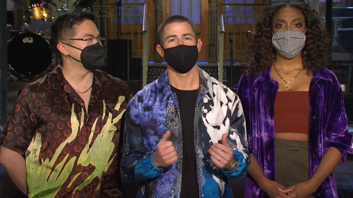 Nick Jonas Gets Unsolicited Career Advice in Funny New 'Saturday Night Live' Promos — Watch!