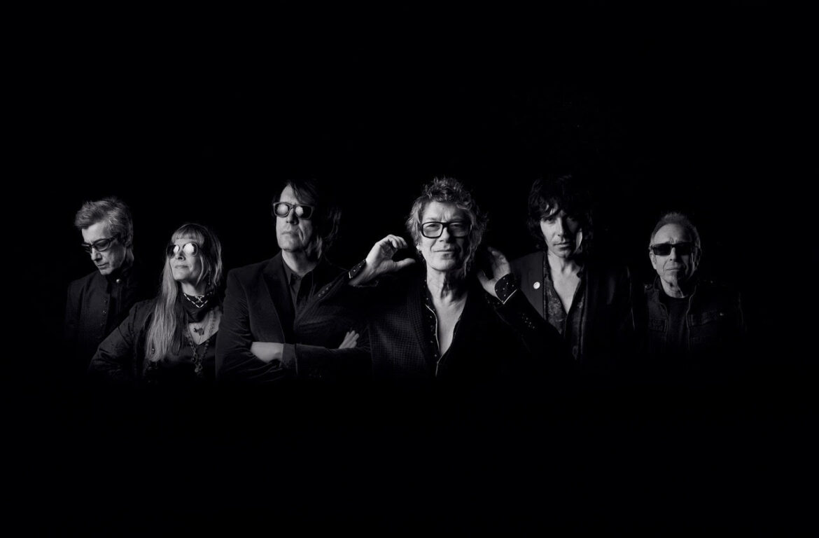 THE PSYCHEDELIC FURS MAKE MUSIC THEIR WAY (WATCH & LISTEN + FEATURE STORY)