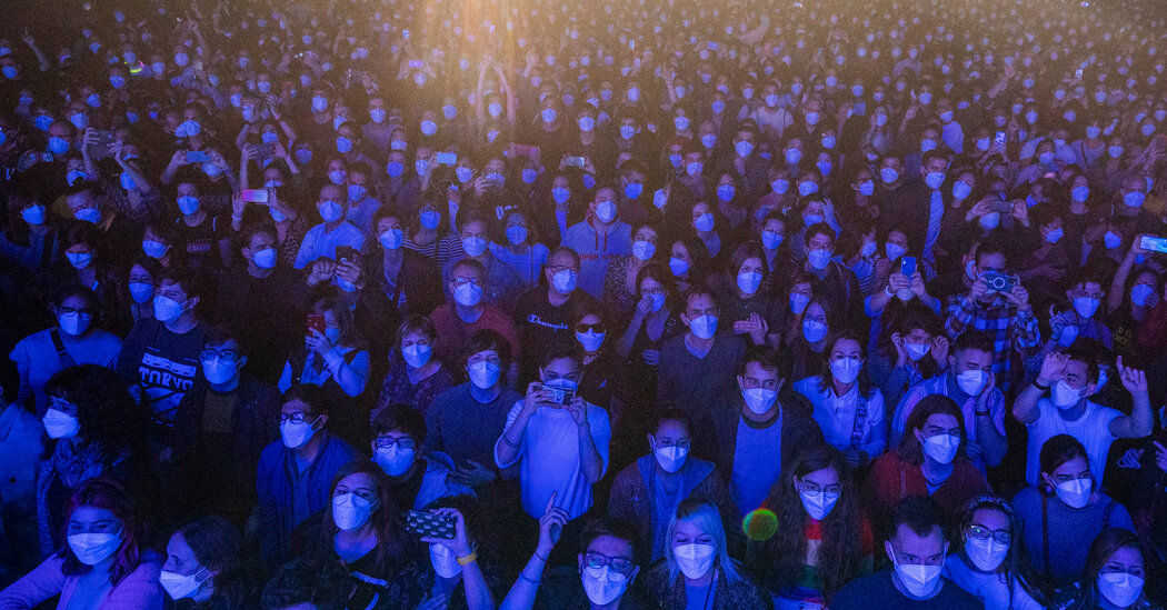 Testing, One, Two. Fans Flock to an Experimental Indoor Rock Concert