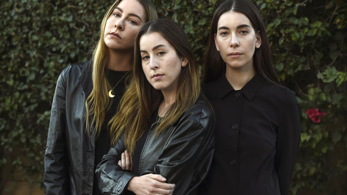 At the Grammys, sister trio HAIM makes rock 'n' roll history | Entertainment