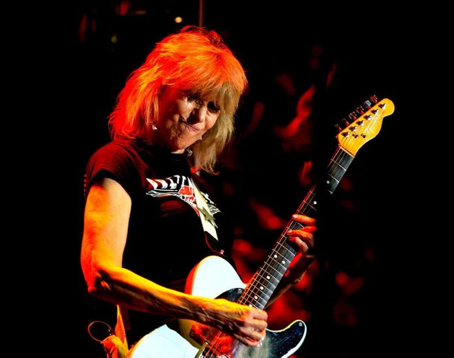 Chrissie Hynde scraps plans for new book, records Bob Dylan songs