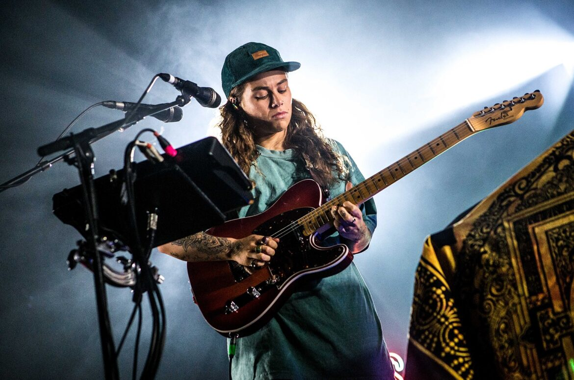 Tash Sultana Lands First Australian No. 1 With 'Terra Firma'