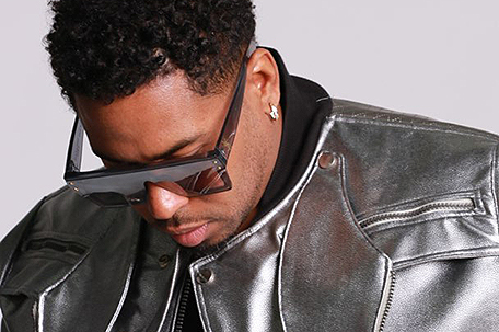 "Bobby V announces the release of his new single, ""Reply,"" and launch of his independent label, Veltree Music Group"