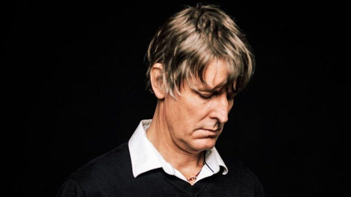 Stream Stephen Malkmus' Cover Of Can's 'Ege Bamyasi' Album
