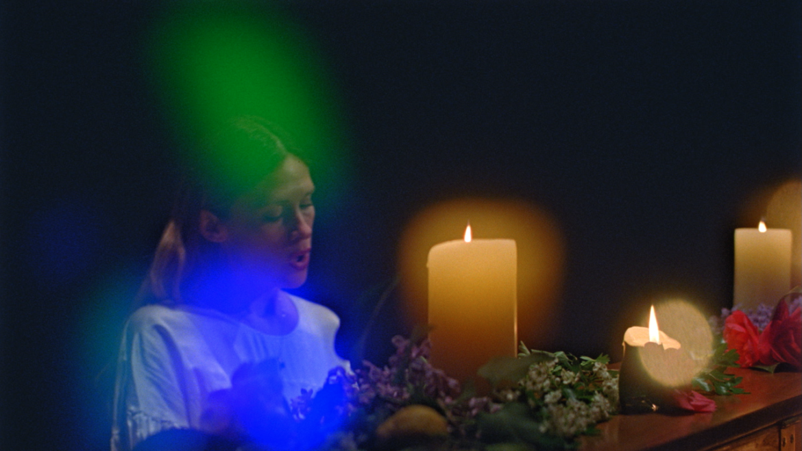 Aura Readings on Video? Lia Ices Shows How It's Done