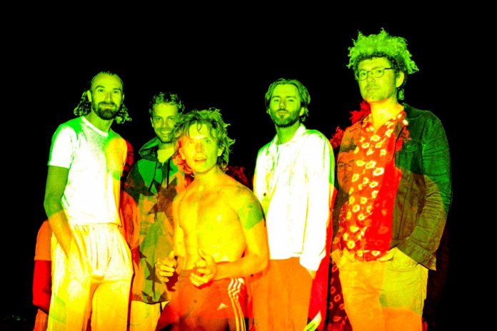"""POND Share Video for New Song """"Pink Lunettes"""""""